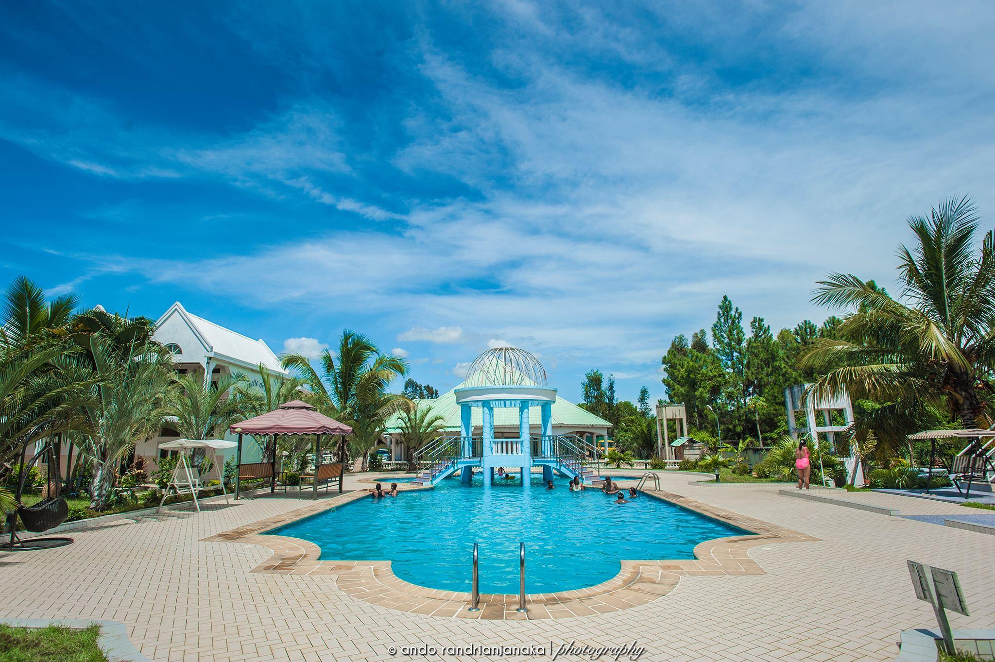 Silhouette de l'Est piscine