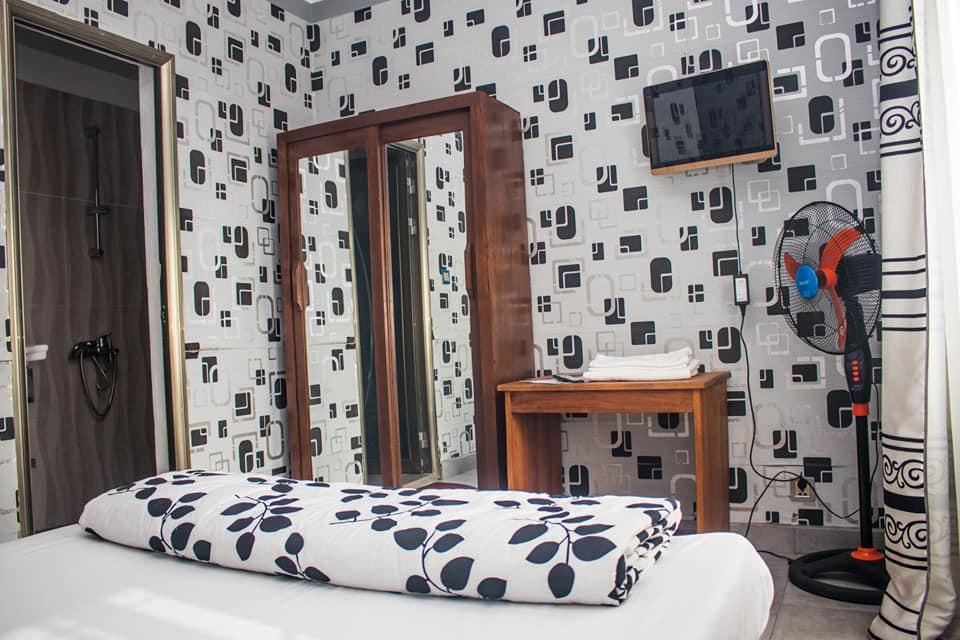 jaguar hotel room